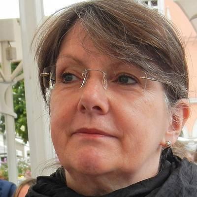 Elfi Neubauer-Theis